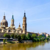 Zaragoza_Basílica_del_Pilar_y_río_Ebro